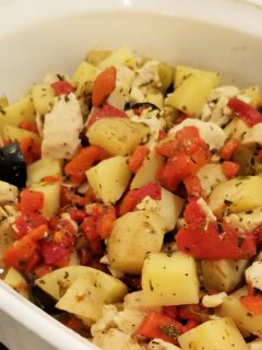 This delicious recipe is super simple. It's got chicken, peppers, and potatoes. This all in one casserole style dinner is great for those super busy weeknights.