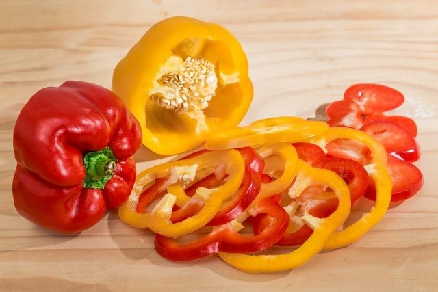 Bell pepper in Chicken Fajitas - easy family meal in the Deep Covered Baker