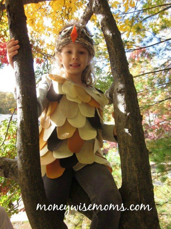 Adorable DIY Owl Costume - frugal no sew Halloween costume