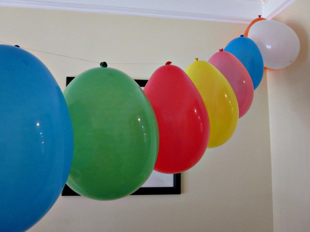 Easy Balloon Garland made with Dollar Tree supplies | MoneywiseMoms