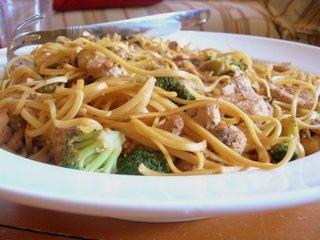 Chicken Broccoli Lo Mein