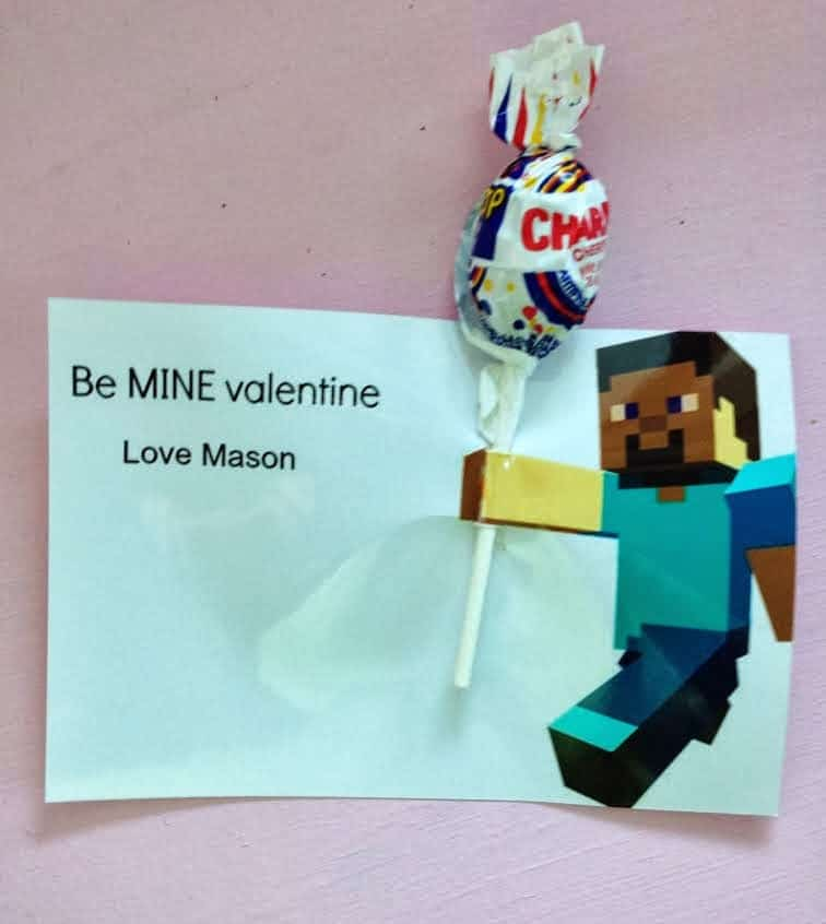 Easy Minecraft Valentines from Taylor Joelle Designs | Minecraft Valentines Roundup at MoneywiseMoms