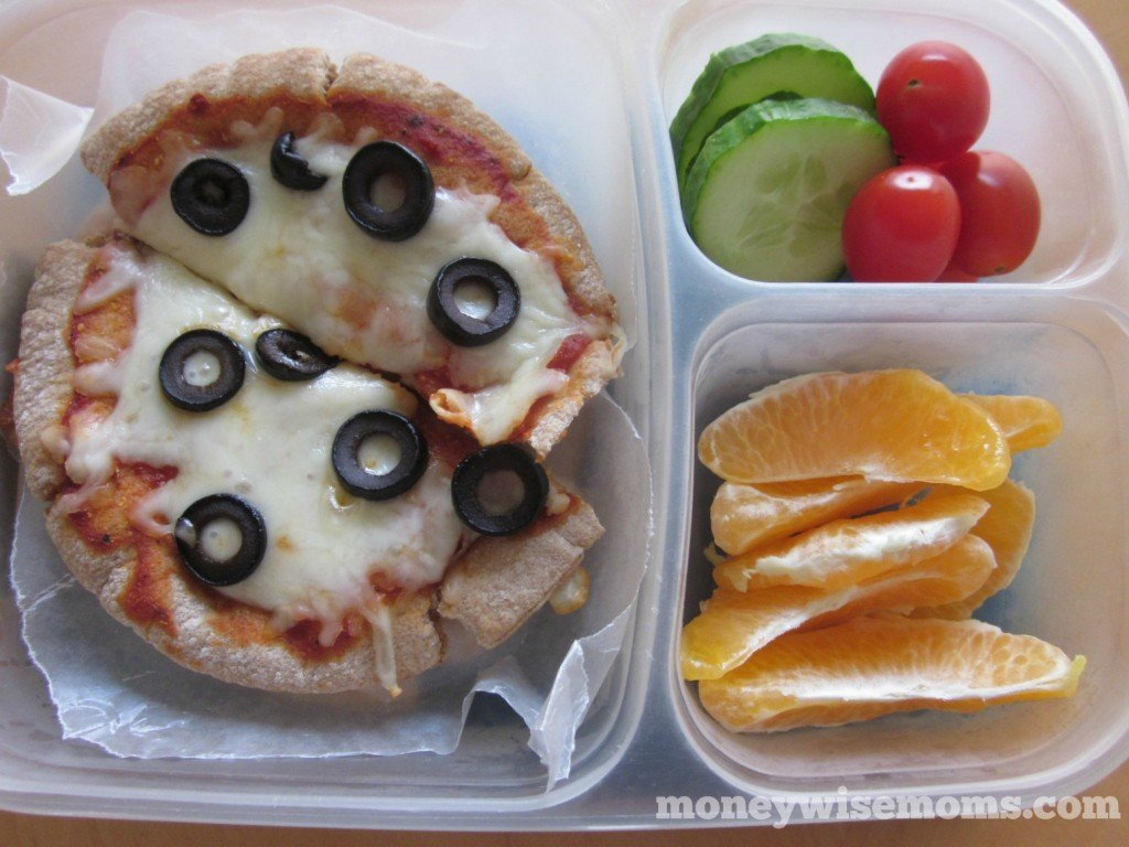 Whole Wheat Pita Pizza | School Lunch Roundup #realfood | MoneywiseMoms
