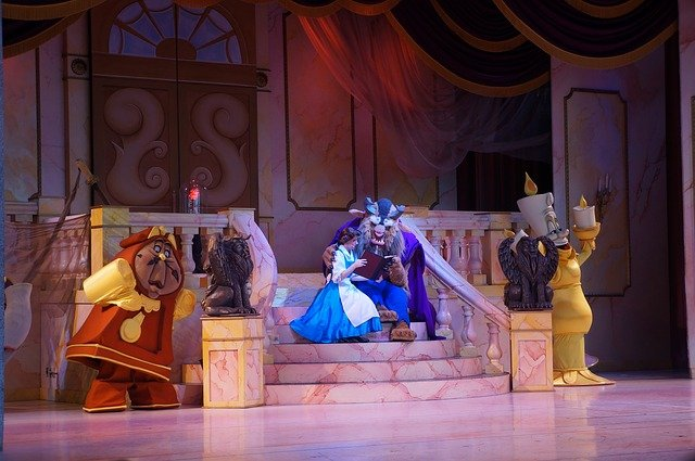 Tips for Taking Kids to the Theater - live show musical play