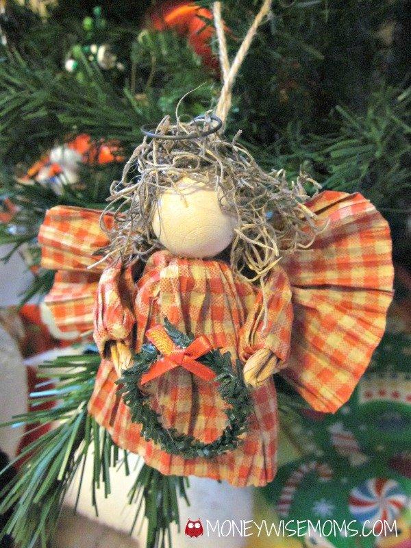 Homemade Christmas Ornaments | MoneywiseMoms