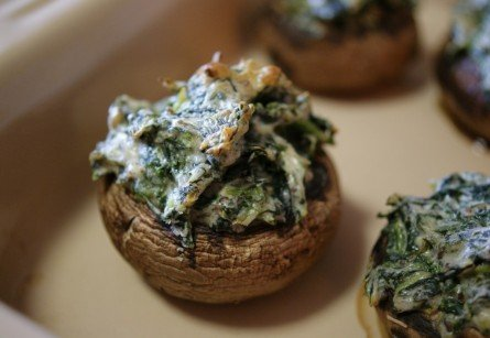Stuffed Mushrooms from A Nutritionist Eats | Easy Holiday Appetizers | MoneywiseMoms