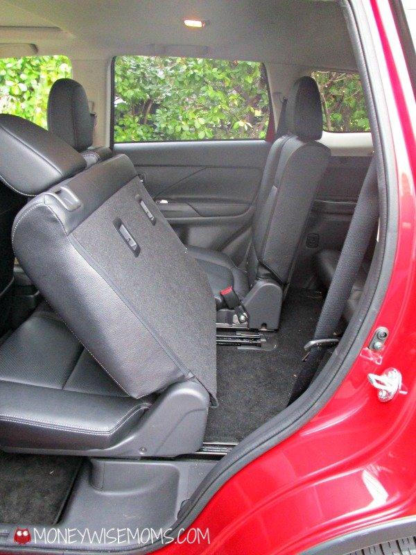 Mitsubishi Outlander Back Seat #CarReview | MoneywiseMoms