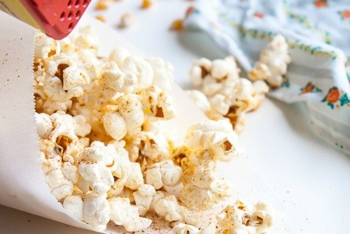 Old Bay Stovetop Popcorn from Blogging Over Thyme | Savory Popcorn Recipes | frugal snacks made with #realfood | MoneywiseMoms