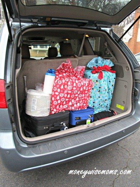 Holiday Road Trip Packing #HostingHacks