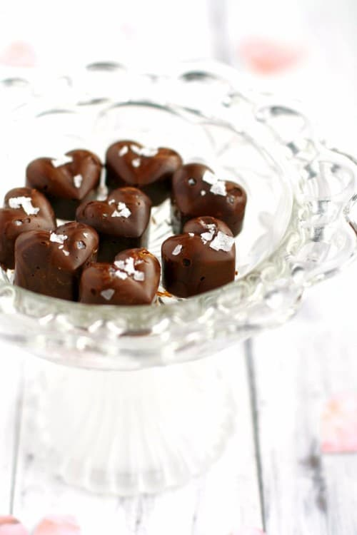 Salted Chocolate Peanut Butter Hearts from The Pretty Bee | Valentine Sweets