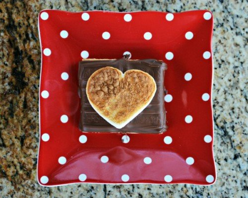 Valentine Smores from Mrs Happy Homemaker | Valentine Sweets