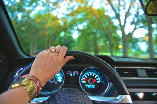 Summer Job Ideas for College Kids - Uber or Lyft driver