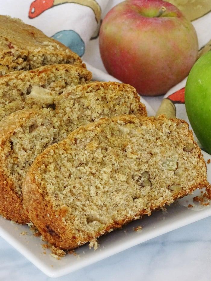 Apple Pecan Bread from Living La Vida Holoka