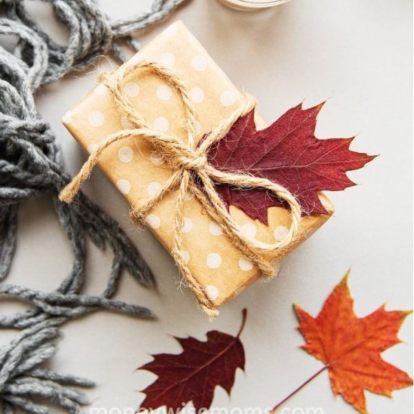 Not sure what to buy your sister, friend or mom as a gift? You'll love these fall birthday gift ideas for women.