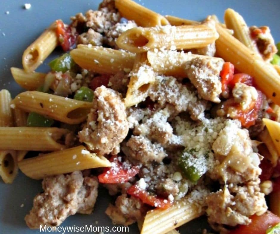 Easy recipes like this one-pot Turkey Parmesan Pasta make getting dinner on the table possible--even on busy weeknights! Add it to your meal plan rotation for a quick and easy dinner recipe.