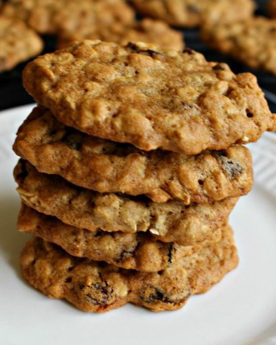 The Most Amazing Chewy and Spicy Oatmeal Raisin Cookies