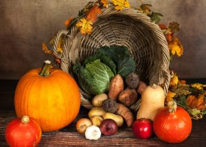 Fantastic and Frugal Ways to Decorate for Thanksgiving