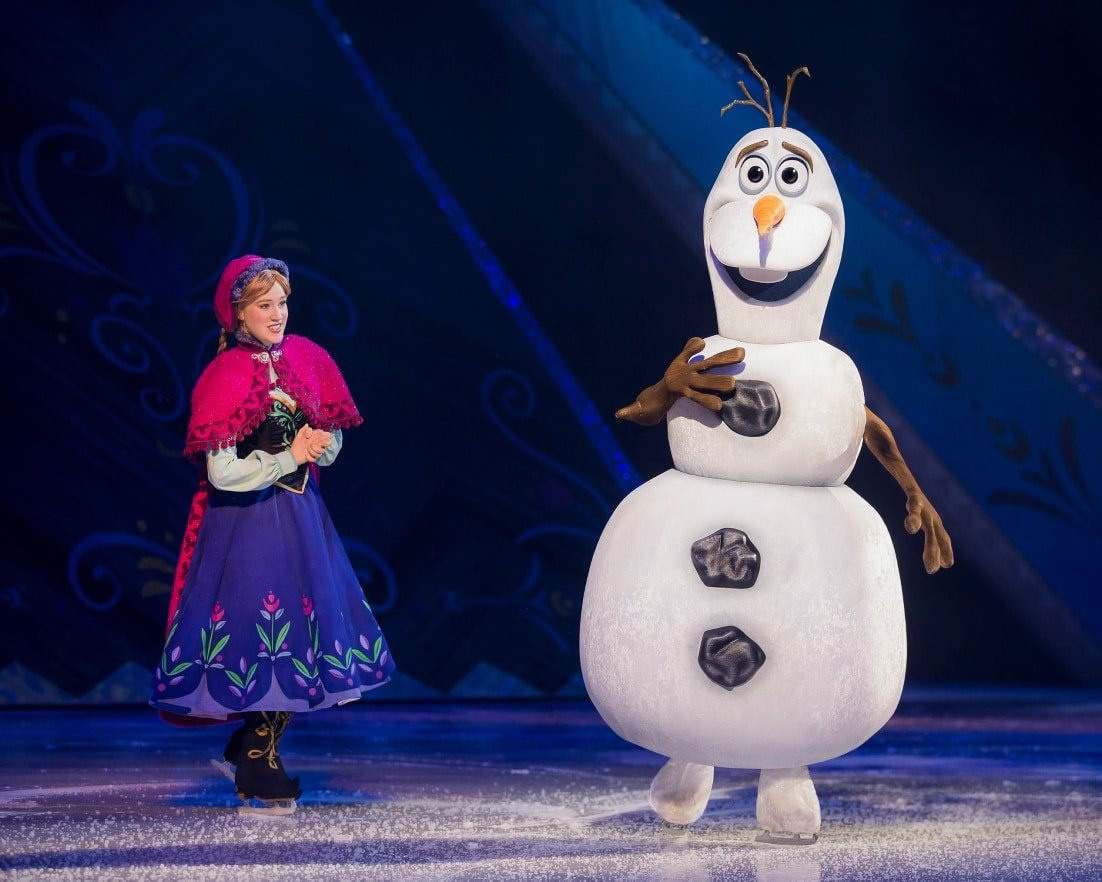 Disney on Ice presents Worlds of Enchantment Anna Olaf