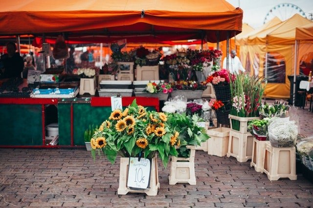 Flowers at the farmers market - how to shop smart