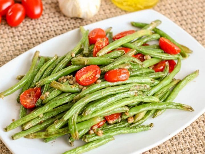 Easy Garlic Green Bean Recipe With Tomatoes!