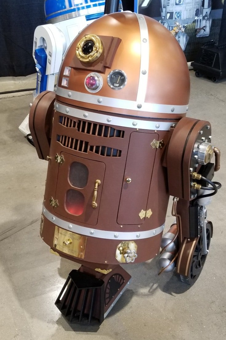 R2D2 at Sci Fi Convention in DC