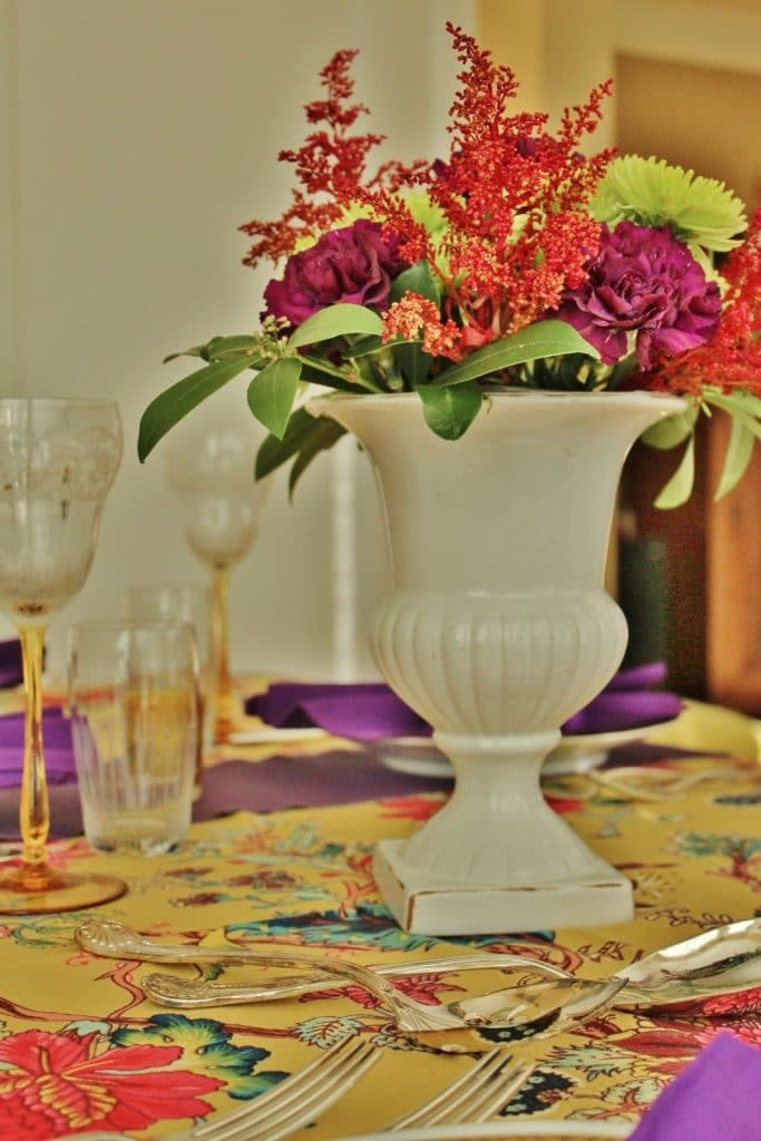 Small Table Solutions for Holiday Dinners – And Some Dinner Party Themes