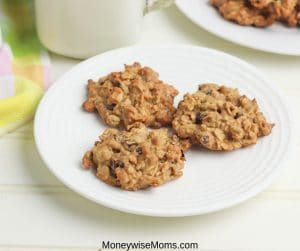 Gluten free oatmeal cookies are great for everyone. You'd never know they're gluten free cookies, they're delicious and easy to make. This great oatmeal cookie recipe is also Weight Watchers friendly!