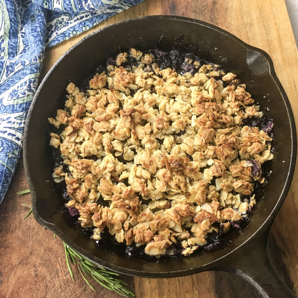 A full pan of finished blueberry crisp.