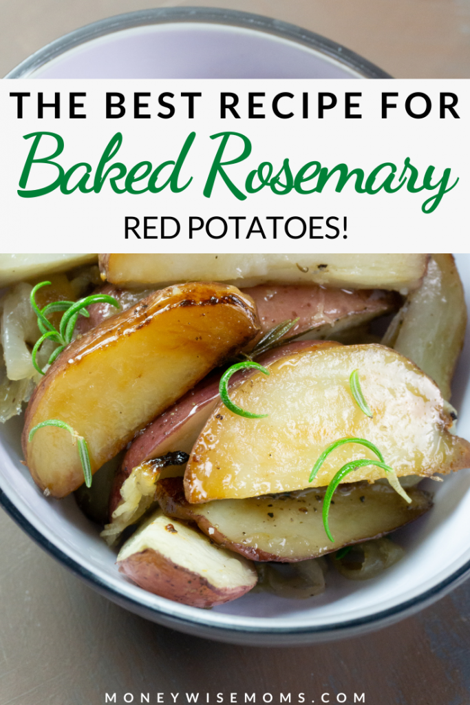 Baked rosemary potatoes ready to be served.
