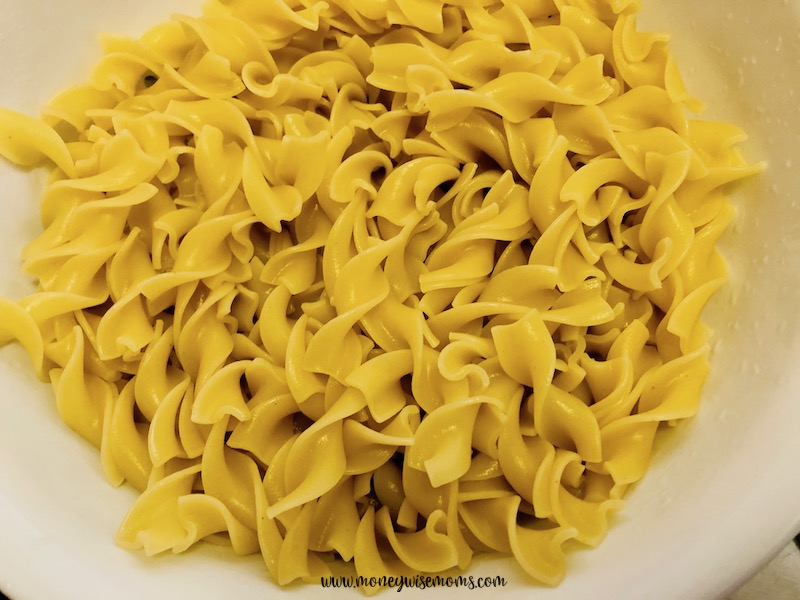 cooked noodles