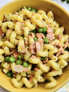 Featured image showing the finished salmon pasta ready to serve.