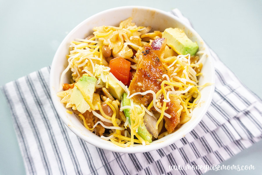 featured image showing the finished southwest pasta with chicken ready to eat.