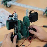 Robotics building kit and hands